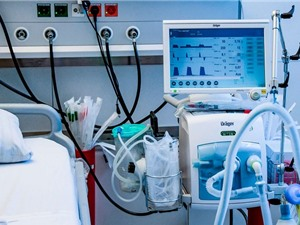 Đẩy mạnh nghiên cứu, sản xuất máy thở trong nước