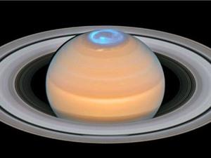 Vì sao bầu khí quyển trên sao Thổ luôn nóng?