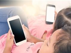 Trẻ dùng điện thoại tuổi nào là tốt nhất?