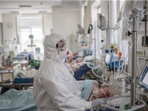 Nga: Bệnh nhân COVID-19 khỏi bệnh nhờ điều trị bằng huyết tương