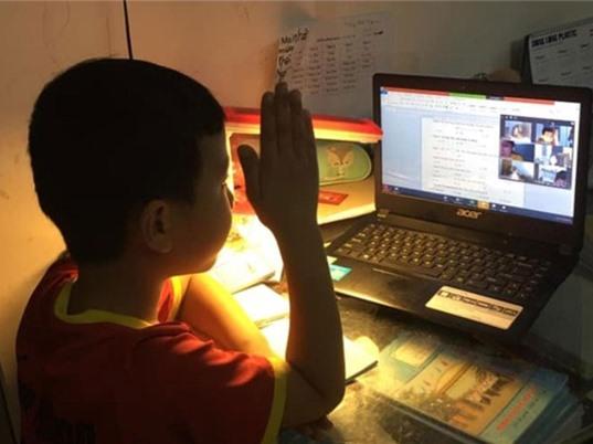 Trên 85% học sinh ở các thành phố lớn học từ xa trong mùa dịch