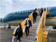 Bộ GD&ĐT đề xuất tổ chức chuyến bay đưa lưu học sinh Việt Nam ở Mỹ về nước