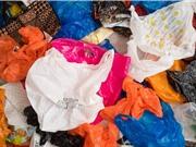 Bị tính phí, lượng túi nhựa dùng một lần ở Anh giảm 95%