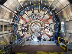 Tìm phân rã hạt Higgs nặng thành hai tau lepton với máy dò ATLAS