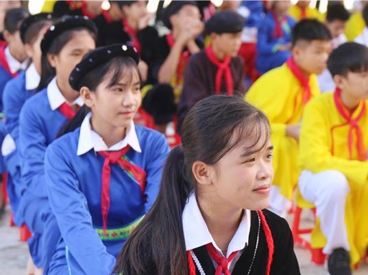 Đầu tư của Chính phủ và hộ gia đình cho giáo dục qua những con số