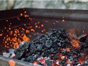 Kính hiển vi chiếu rọi nguồn gốc của than củi