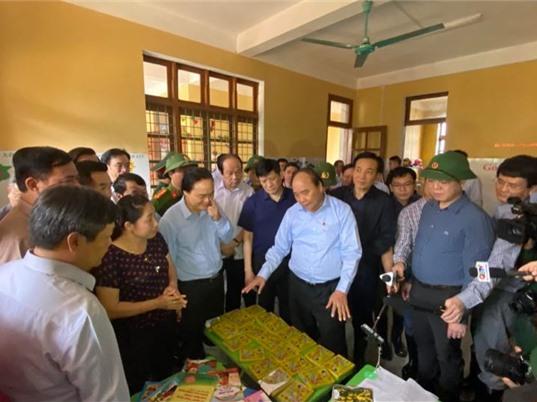 CẬP NHẬT: Thủ tướng kiểm tra việc khắc phục hậu quả mưa lũ tại Quảng Bình