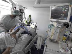 Chuyên gia Pháp cảnh báo virus SARS-CoV-2 đang lây lan nhanh hơn