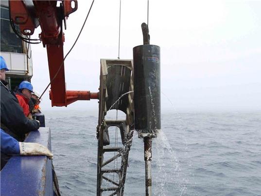 Khám phá lịch sử khí hậu từ bụi cổ đại đáy biển