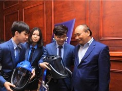 Thủ tướng biểu dương nhóm tác giả mũ cách ly di động Vihelm