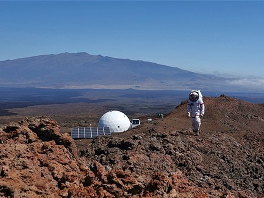 """""""Một trăm năm nữa bay lên sao Hỏa là chuyện bình thường"""""""