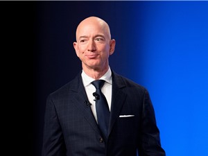 Jeff Bezos rời ghế CEO, Amazon sẽ trở thành công ty kinh doanh đám mây?