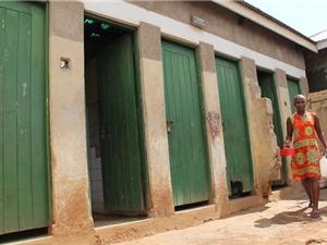 Nhà vệ sinh không cần nước và điện cho các quốc gia nghèo