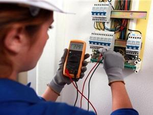 Cảnh báo rủi ro mất an toàn từ các thiết bị lắp đặt điện kém chất lượng
