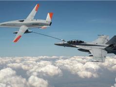Drone tiếp nhiên liệu trên không của Boeing