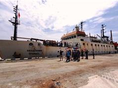 """Tàu """"Viện sỹ Oparin"""" bổ sung hàng trăm mẫu động, thực vật biển"""