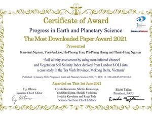 Nữ tiến sỹ nhận giải bài báo khoa học được nhiều người quan tâm nhất