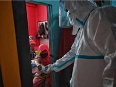 Hệ thống y tế Thái Lan quá tải do khủng hoảng COVID gia tăng