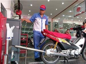 Hà Nội kiểm tra khí thải xe máy miễn phí